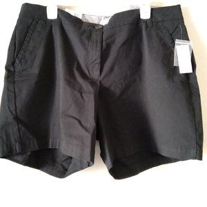 NWT Crown & Ivy Caroline Plus Size black shorts